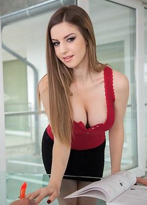 Teen Secretary Porn Pictures
